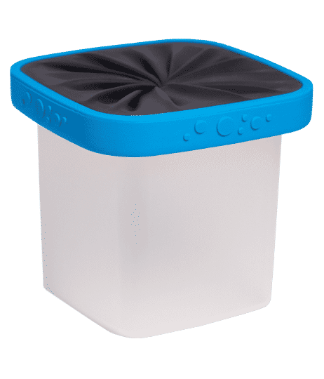 side view of bento box with blue and black lid