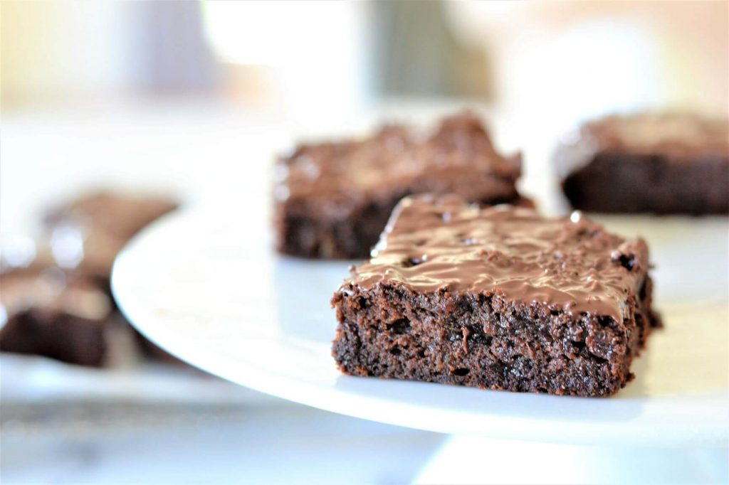 brownie-on-white-stand