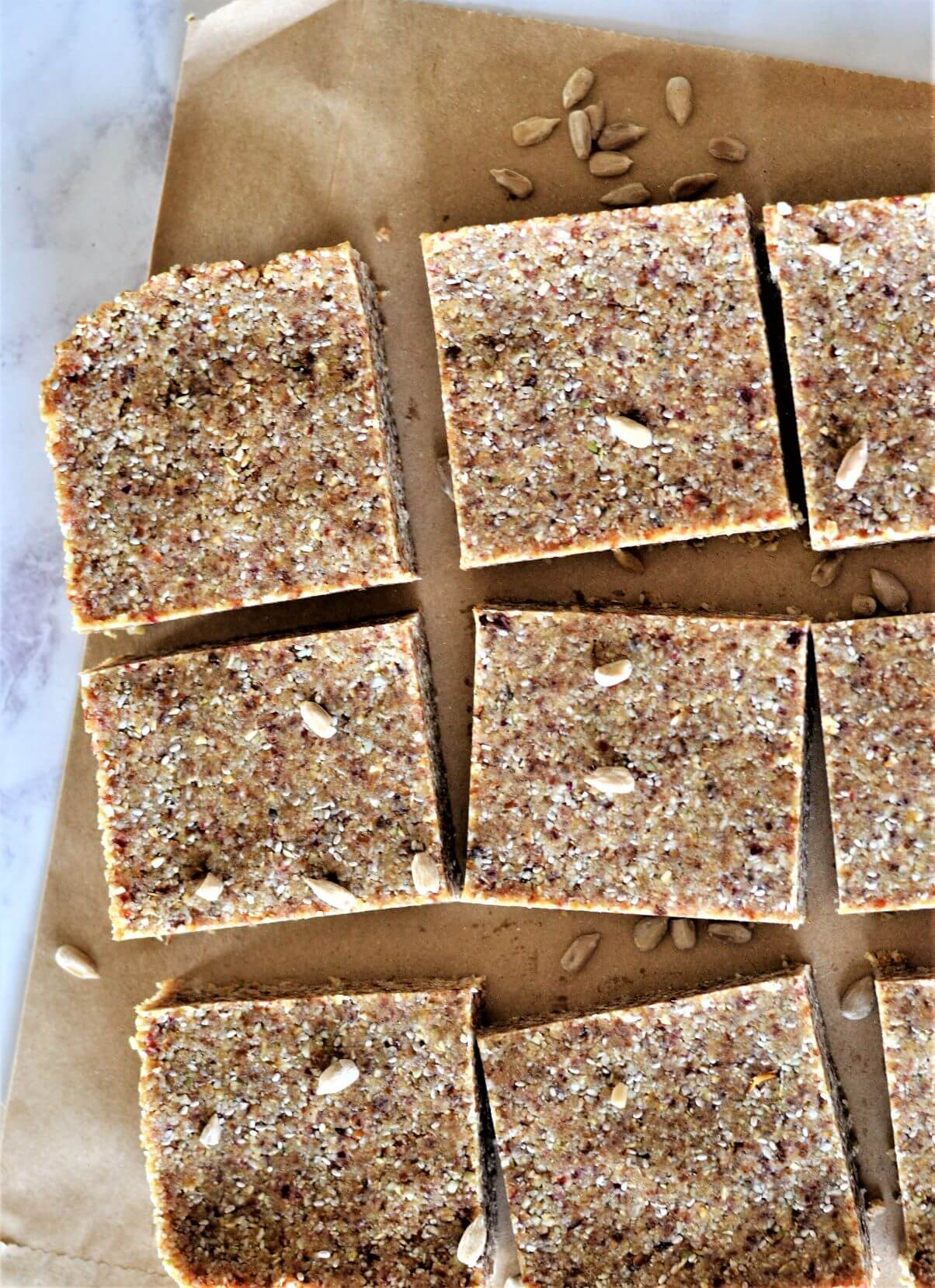 healthy-oat-slice-no-bake-on-paper