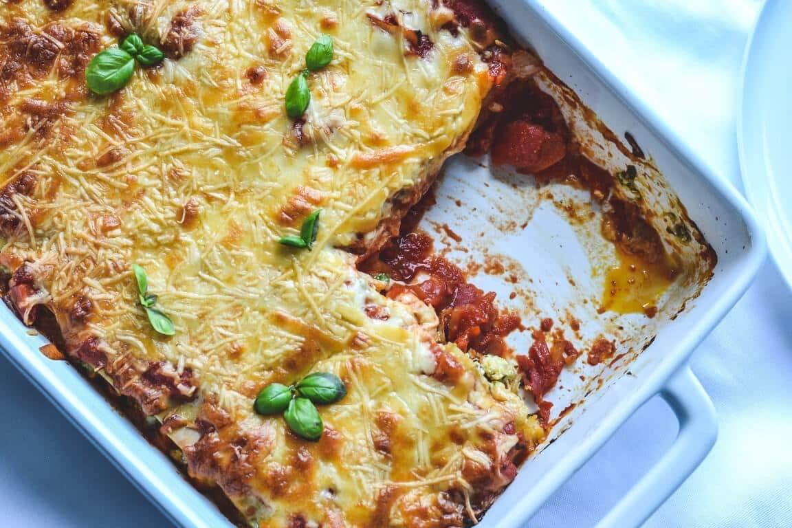 baked-spinach-and-ricotta-cannelloni-in-tomato-sauce