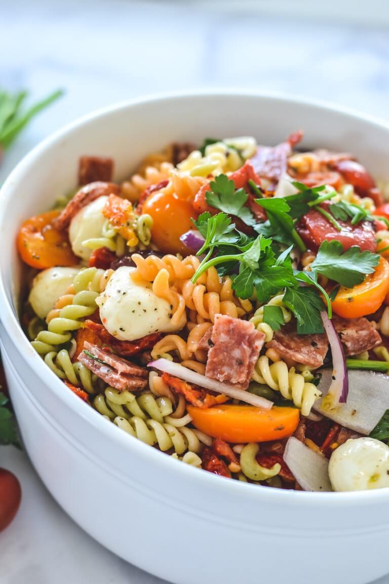 pasta-salad-with-salami