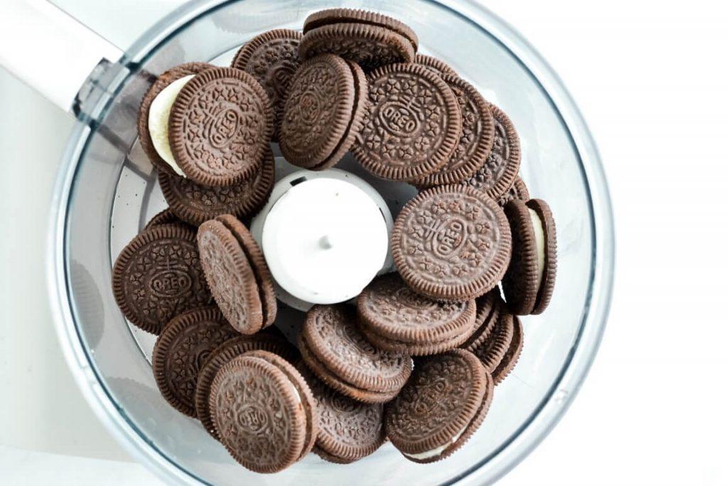 oreo-cookies-in-food-processor