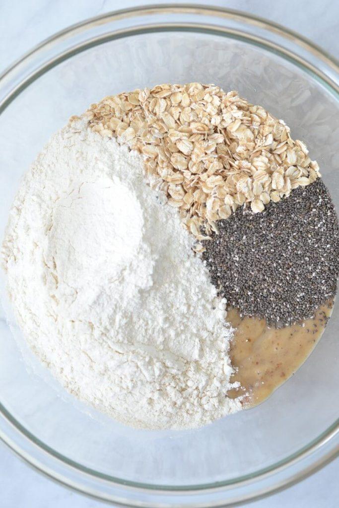 banana-bread-dry-ingredients-in-bowl