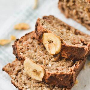 healthy-banana-bread-slices