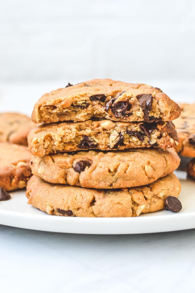 peanut-butter-cookies-with-melted-choc-chips