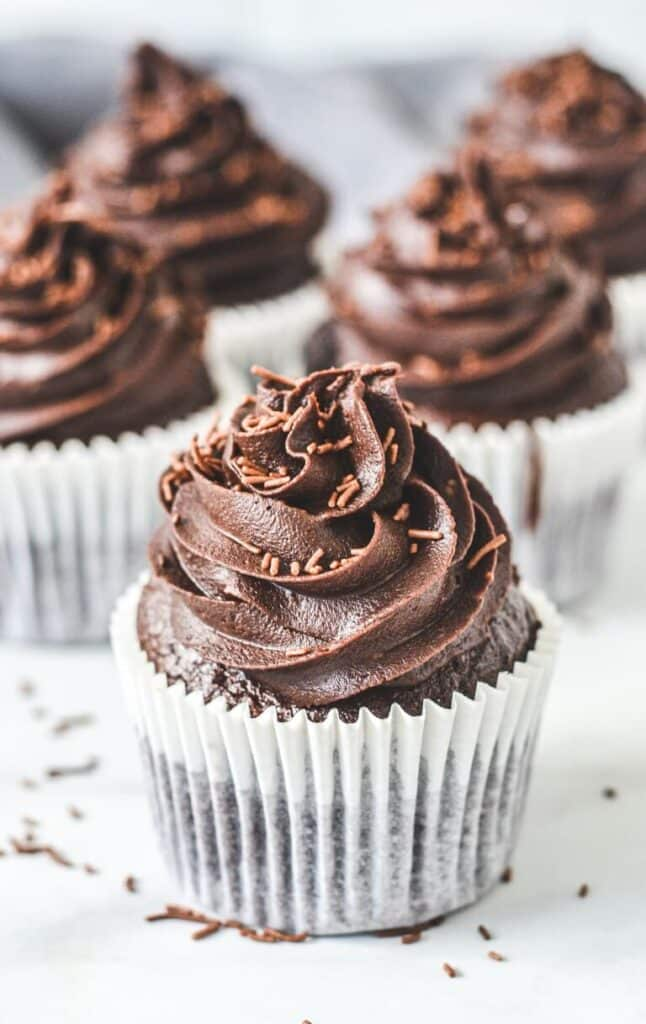 chocolate-cupcake-in-paper-case