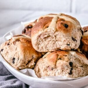 hot-cross-buns-layered-in-white-bowl