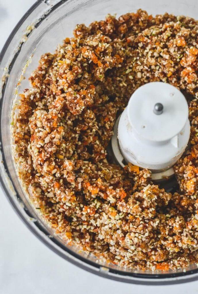 cookie-mixture-in-food-processor
