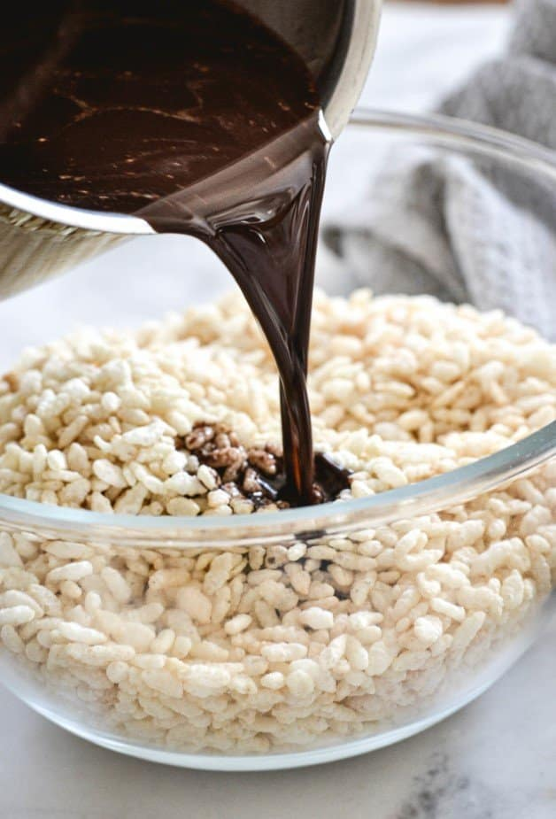 chocolate-coconut-oil-mixture-poured-over-rice-bubbles