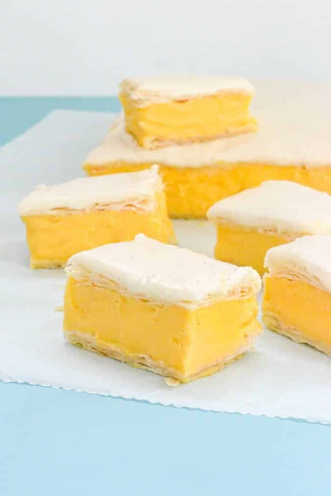 yellow-custard-slice-pieces-on-baking-paper