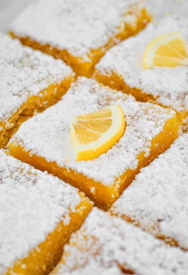 squares-of-lemon-slice-coated-in-icing-sugar