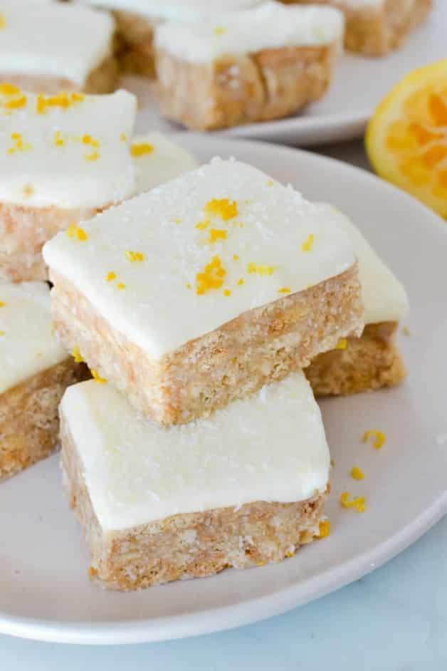 lemon-slice-sprinkled-with-zest-on-white-plate