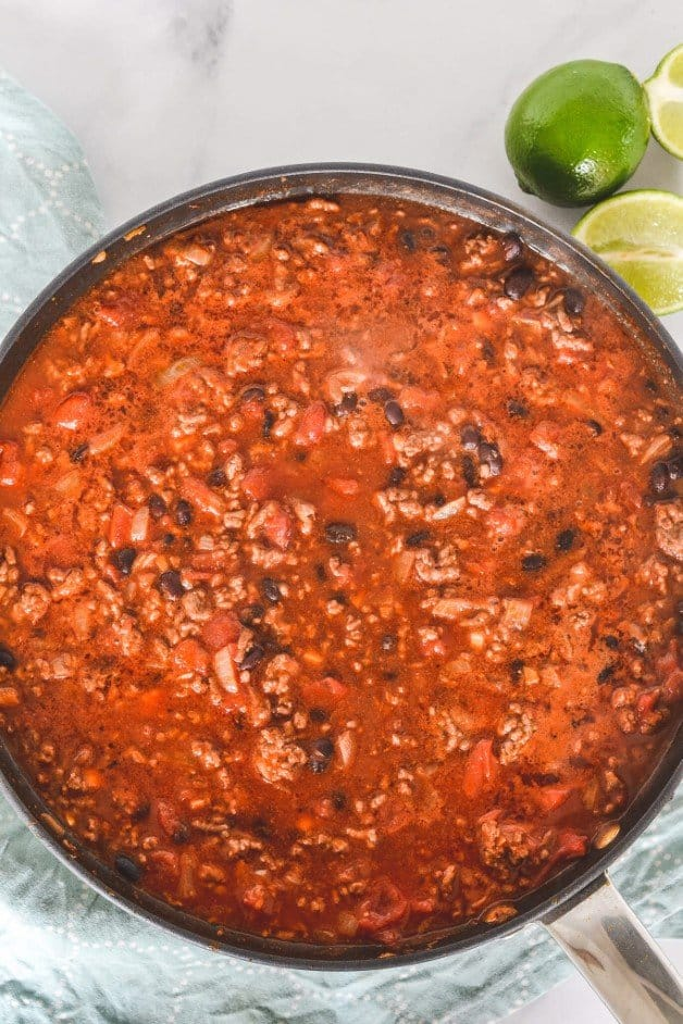 cooked-chilli-con-carne-in-pan
