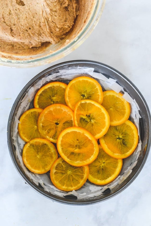orange slices in cake tin